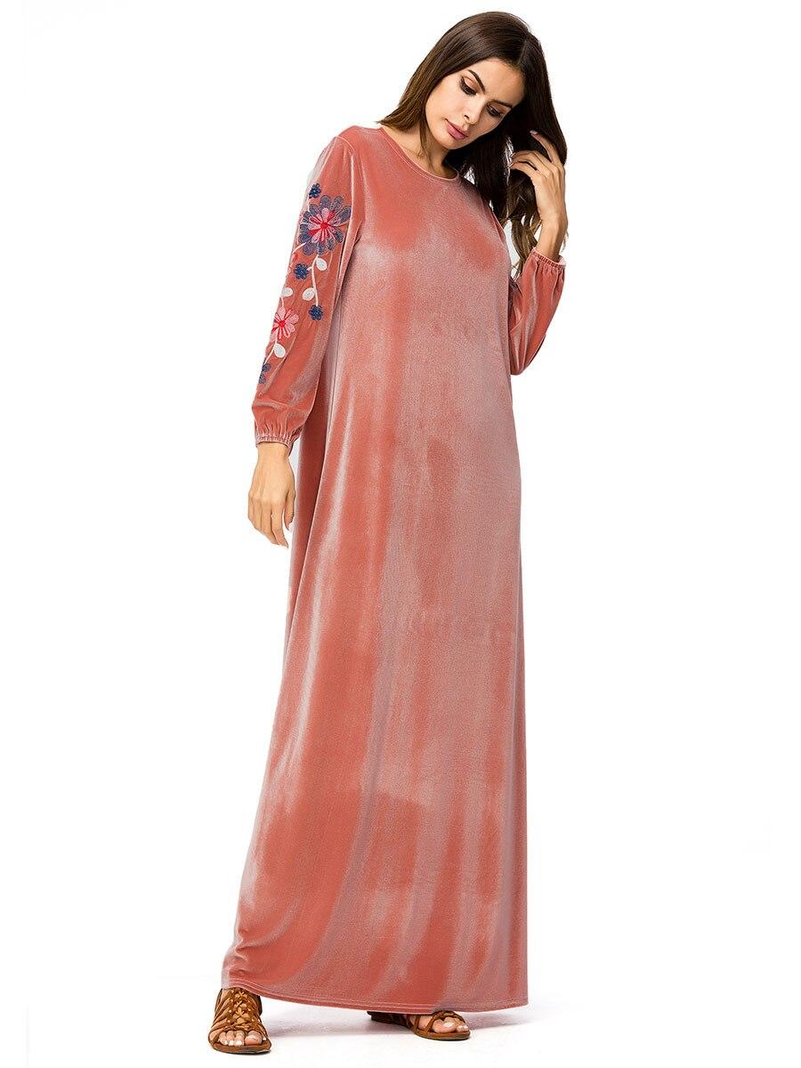Mulheres de mangas compridas de veludo bordado
