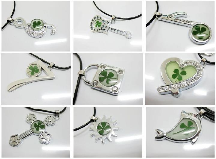 Envío Gratis 48 piezas mezcla elegante collar de trébol de cuatro hojas forma de tótem Vogue muestra de planta real-in Collares colgantes from Joyería y accesorios    1