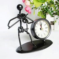 Creative Electronic Desk Clock Decoration Iron Bedroom Decoration Office Accessories Decoration Reloj De Pared Vintage Klok Z022