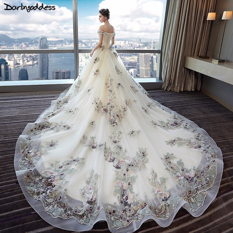 Vestido De Noiva 2018 Appliques Lace Royal Train Wedding Dress Plus Size Luxury Pearls Flowers Sweetheart Ball Gown Bridal Dress