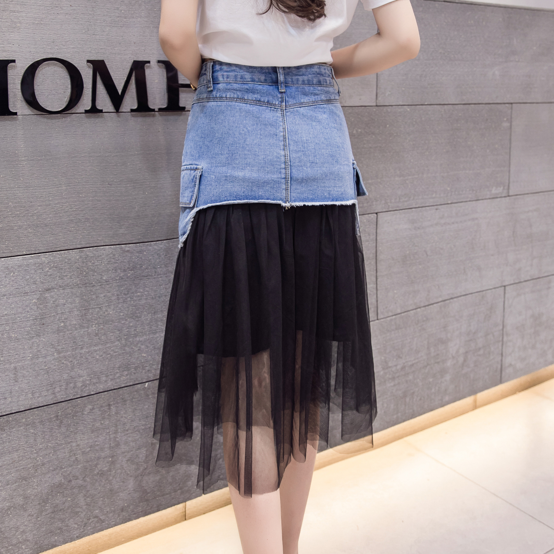 77a5691a611 Women Blue Denim Patchwork Tulle Skirt 2018 New Casual Pockets Midi Summer  Skirts Womens High Waist Pleated Long Skirt-in Skirts from Women s Clothing  on ...