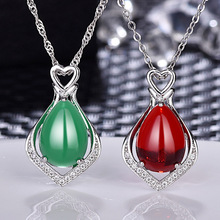 купить Chalcedony Pendant Necklace for Women Silver Jewelry Lady's Necklace Natural Green Oval Carnelian Pendant по цене 175.85 рублей