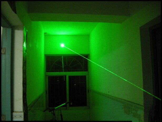 Kraftig Green Laser Pointer Pen 5MW 532nm Fokus Synlig Undervisning Presenter Beam Light High Power Jakt Laser