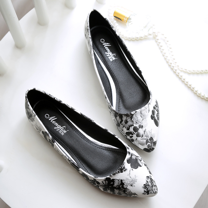 Floral Print Women 's Flats Large Size 40-45 New 2017 Spring And Summer Flat Shoes   Shallow Mouth Ladies Single Shoes flat shoes women pu leather women s loafers 2016 spring summer new ladies shoes flats womens mocassin plus size jan6