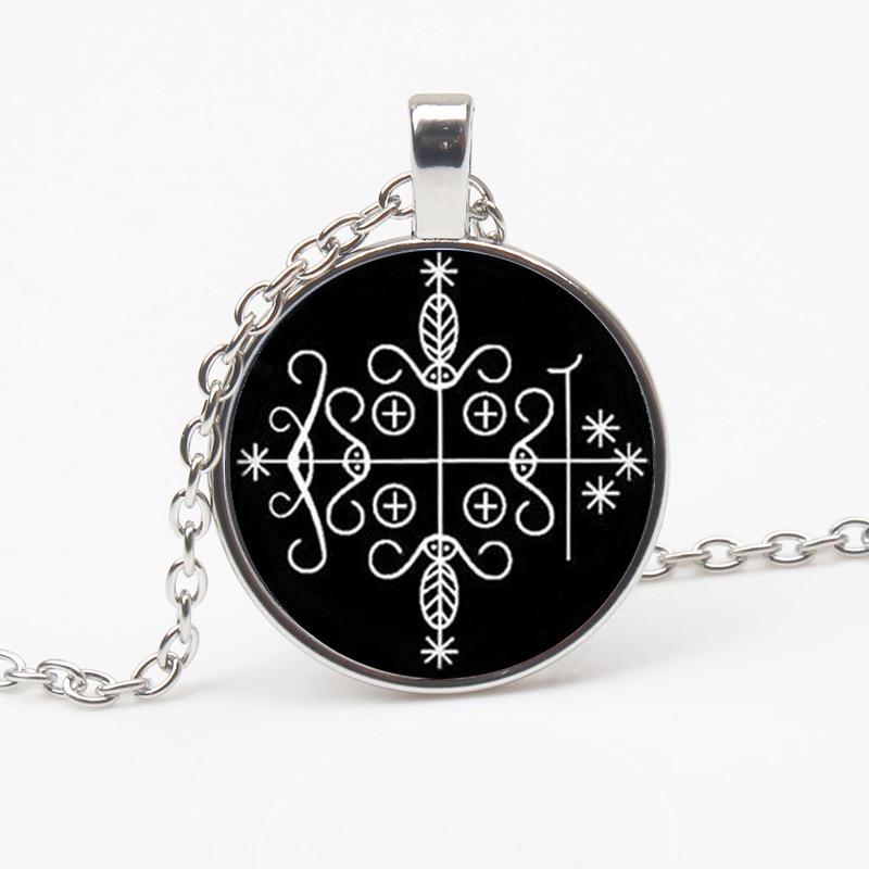 Fashion Retro Legba Voodoo Pendant Necklace Etiquette Pendant Accessories Mystery Medal Men and Women Decorations Gift Souvenir