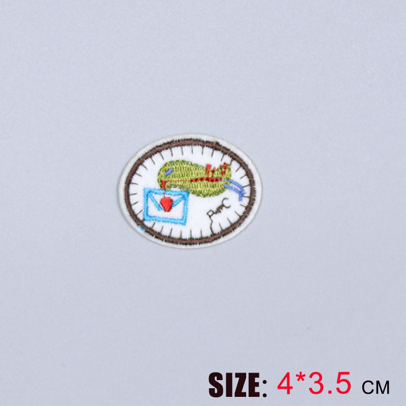 HOT sale 1PC fashion cute homing pigeon On Embroidered Patch For Cloth Cartoon Badge Garment Appliques DIY Accessory