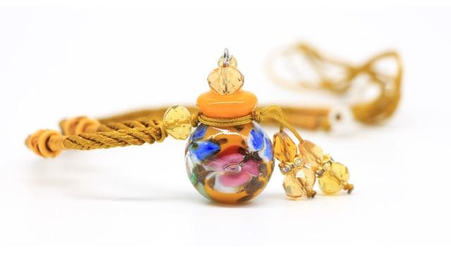 Фото романтическое женское ожерелье в европейском стиле с подвеской