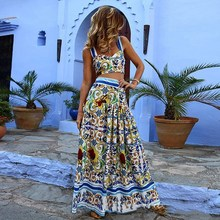 2019 New Sexy Two Piece Skirt Set Women Strap Top Maxi Skirt Pattern Floral Print Suits Bohemian Crop top Long Skirt Beach Set bardot floral print crop top with slit side skirt