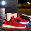 Qualidade 8 Cores Das Mulheres Dos Homens yeezy Sapatos LED de Crescimento de Verão Sapatos para Adultos Luminous light up Sapatos Casuais Respirável Sapatos de Superstar