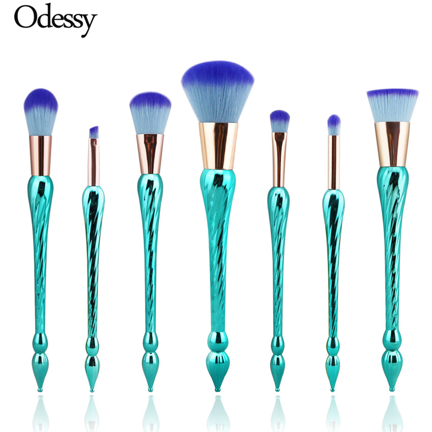 High Quality 7PCS New Unicorn Makeup Brushes Mermaid Fishtail Make Up Brush Set Rainbow Hair Spiral Screw Handle Cosmetic Tools