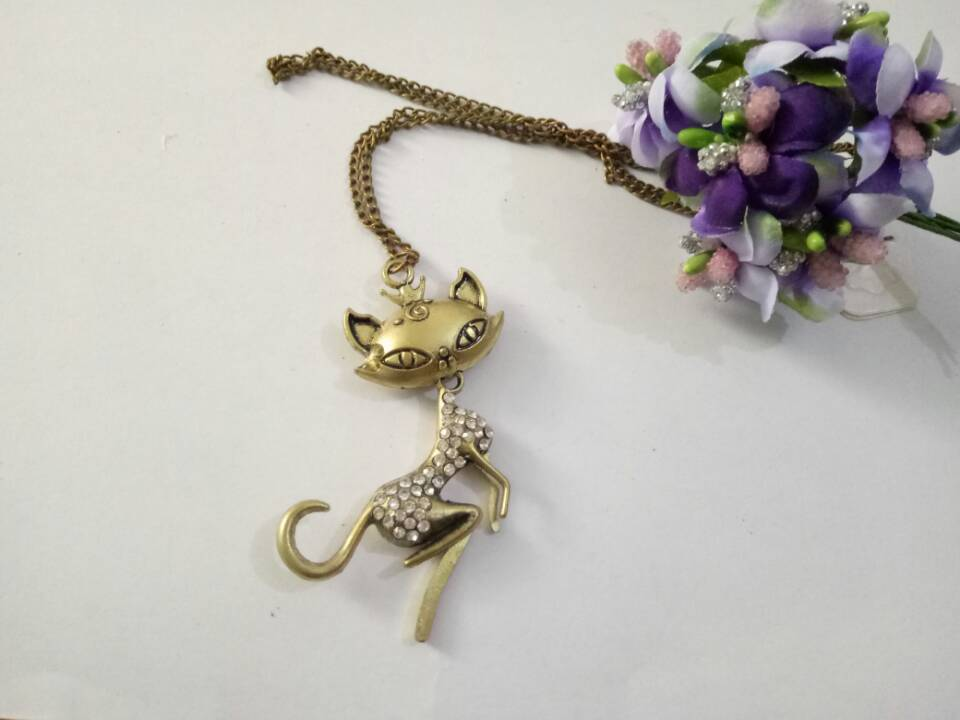 necklaces pendant Fashion jewelry popular for women sexy animal lady vintage sweater chain design