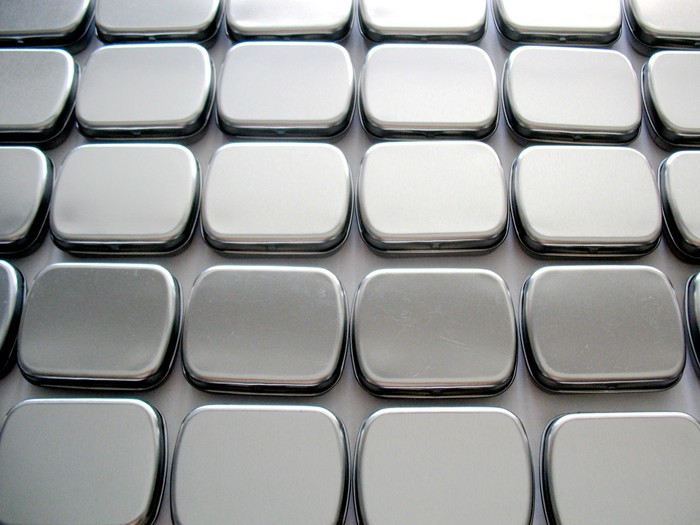 Wholesale small size hinge tin box square tin silver gift box sealing plain tin wedding candy