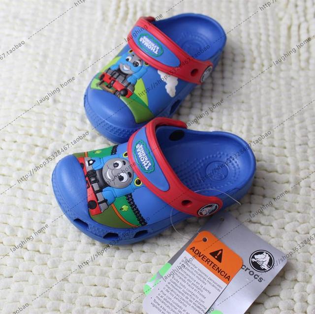2016 Estilo Verão Crianças Sandálias de Praia Sapatos Buraco Bebê Sandália locomotiva Thomas Chinelos Sapatos Meninos Desenhos Animados
