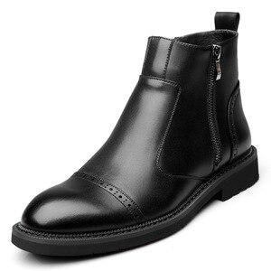 Image 1 - Disegno di stile britannico degli uomini di modo nero chelsea stivali signore della caviglia di avvio del cuoio genuino scarpe brogue intagliato bullock scarpe uomo