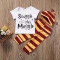 Conjunto de Roupas de bebê 3 PCS Bebê Recém-nascido Meninos Meninas Carta Muggle Bodysuit/Camiseta + Stripe Pants + Roupas Chapéu roupas 0-18 M Super Bonito