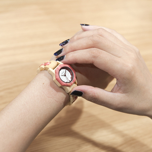 Image 5 - Bobo Vogel O10 Bamboe Vrouwen Horloges Crystal Dial Dames Quartz Jurk Horloge In Houten Doos