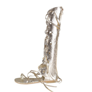 Image 2 - Wdzkn 새로운 패션 여성 골드 실버 크로스 스트랩 플랫 힐 무릎 높은 검투사 샌들 sandalia gladiadora 플러스 크기 34 43