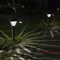 2 stks/partij zonnepaneel LED Spike Spot Light Spotlight Landschap Yard Path Gazon Solar Lampen Outdoor Aarding Zon Licht