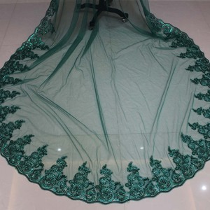 Image 3 - 진짜 사진 블링 레이스 가장자리 한 레이어 녹색 결혼식 베일 빗 성당 웨딩 액세서리