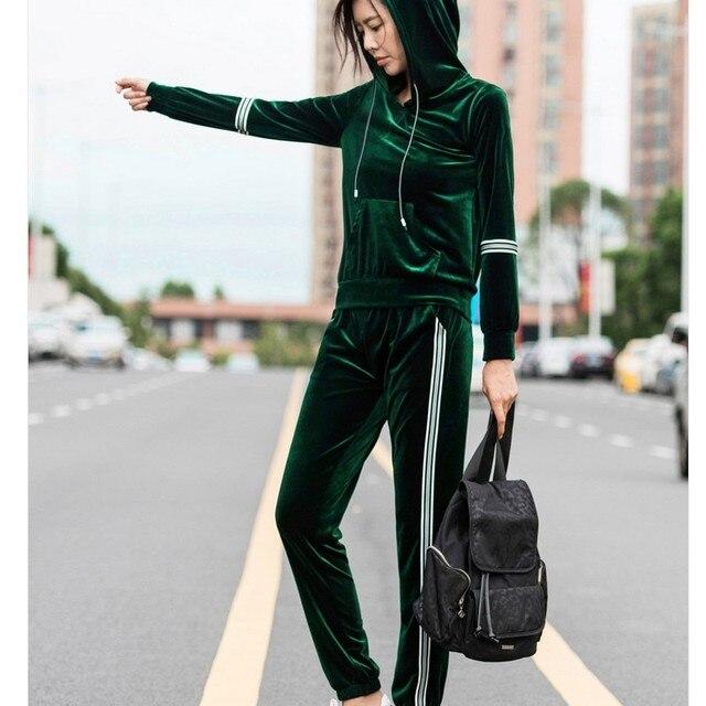 f03ae819ff0e Бархатный спортивный костюм женский новый большой размер с длинным рукавом Бархатные  костюмы женская Мода Досуг плюс