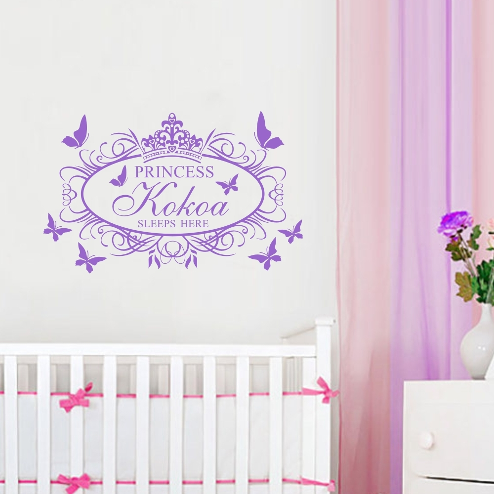 Dekorative Crown Damask Butterflies Wall Sticker Personlige Piger Navn Prins Prinsesse Sove Her Vinyl Decal til Kids Room