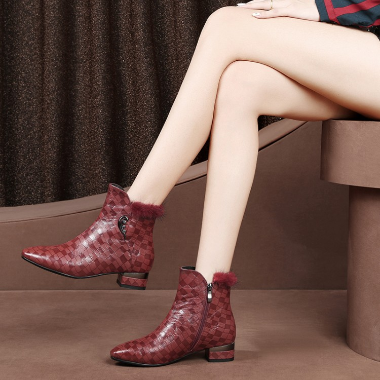 MLJUESE 2019 women ankle boots sheepskin zippers pointed toe red color low heel boots winter short