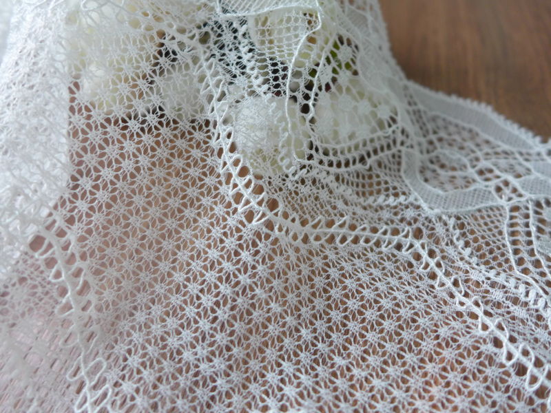 6.9 Width Scallop Springy Lace Trim, Elastic Lace Fabric Trim In Off White, Stretch Lace For Lingerie, Shoes