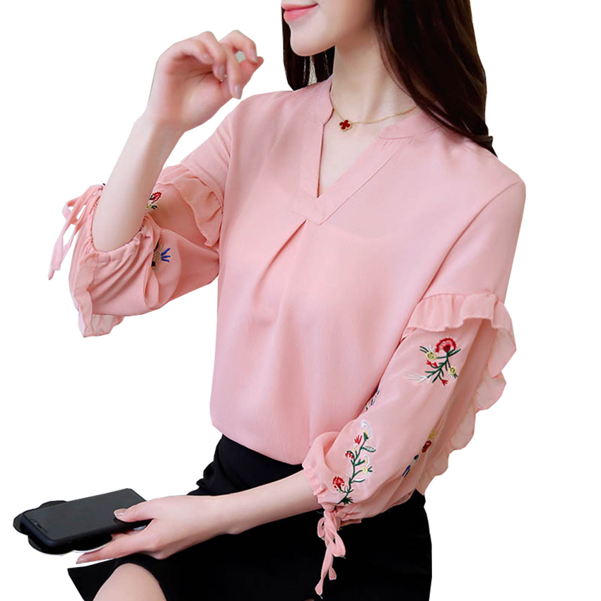 New Sweet Floral Embroidery Shirts Wome Summer Three Quarter V Neck Chiffon Blouse lantern Sleeve High Quality Tops Shirt Mw248