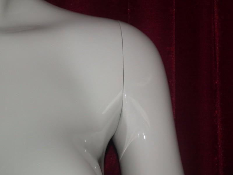 EMA-W032B_mannequin_05