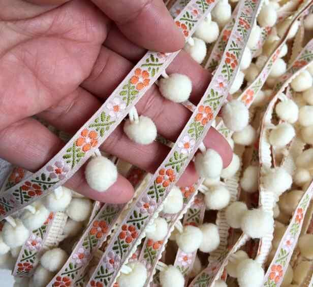 3 CM de ancho bordado en caliente amarillo 3D flor encaje tela cinta DIY costura apliques collar pom vestido de boda guipur Decoración