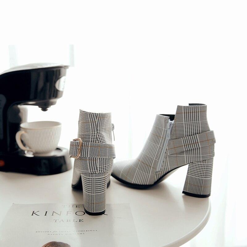 2020 botas femininas de tamanho grande moda