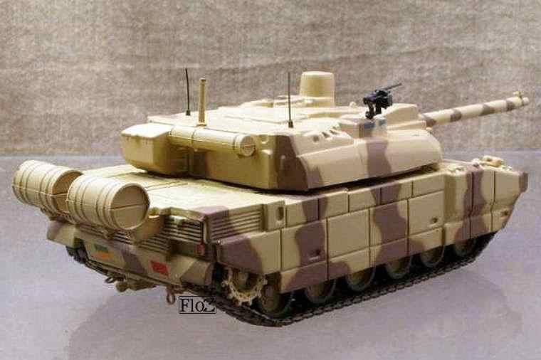Leclerc T5 United Areb Emirates Army Abu Dhabi 1//72 DIECAST MODEL TANK IXO UAE