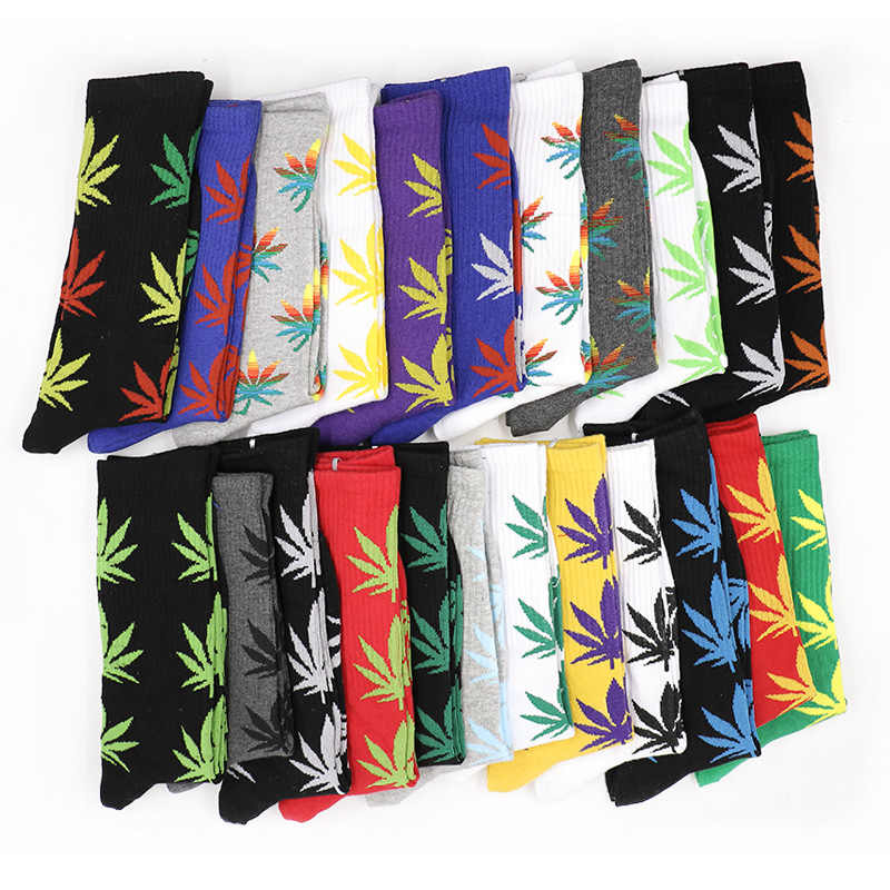 Moda 1 Çift Rahat Yüksek Kaliteli pamuk çorap Yaprak Akçaağaç Yaprağı Rahat Uzun Ot Mürettebat Çorap