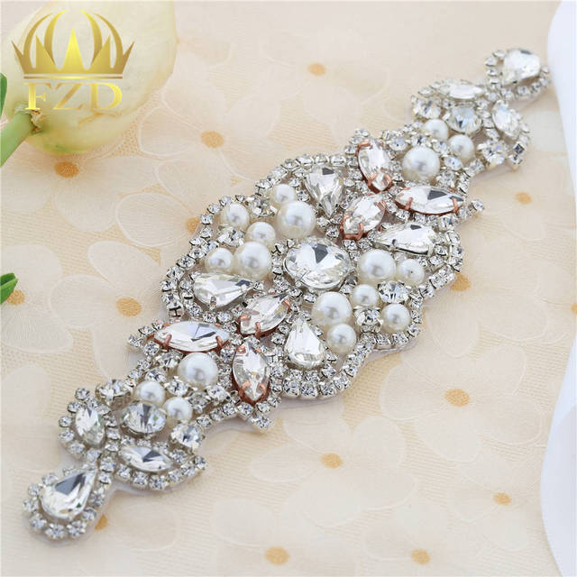30pcs Wholesale Handmade Hot Fix Sewing on Pearls Beaded Bridal Sash  Rhinestone Applique for Garments Wedding f25f92d6ca3f