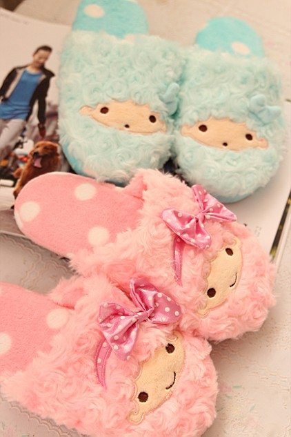 Plush cute 1 pair cartoon Little twin stars soft soled funny winter lady home floor slippers warm holiday toy girl gift