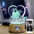 Cristal personalizado photo shop logoText RGB luz CONDUZIDA da noite foto MP4 leitor de música jóias rotating display stand presente de casamento casal