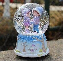 free shipping Winter Love couple large crystal ball rotating music box