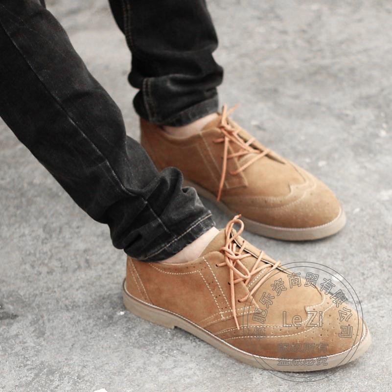 ФОТО Brogue Wear Mens Designer Shoes Hollow Carved Various Nubuck Leather Solid Color Simple Shoes Men Temperament Suede Shoes Men