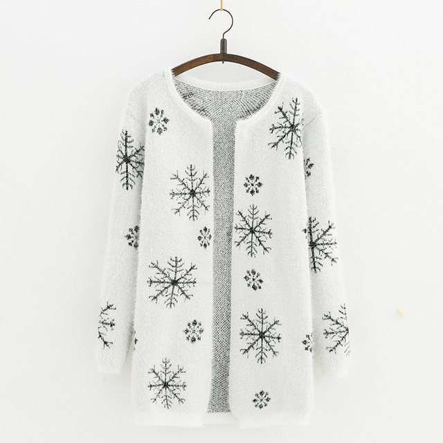 2017 Autumn and  winter Female Sweater Coat  Snowflake pattern Long Round Collar Knit Cardigan Women Sweater