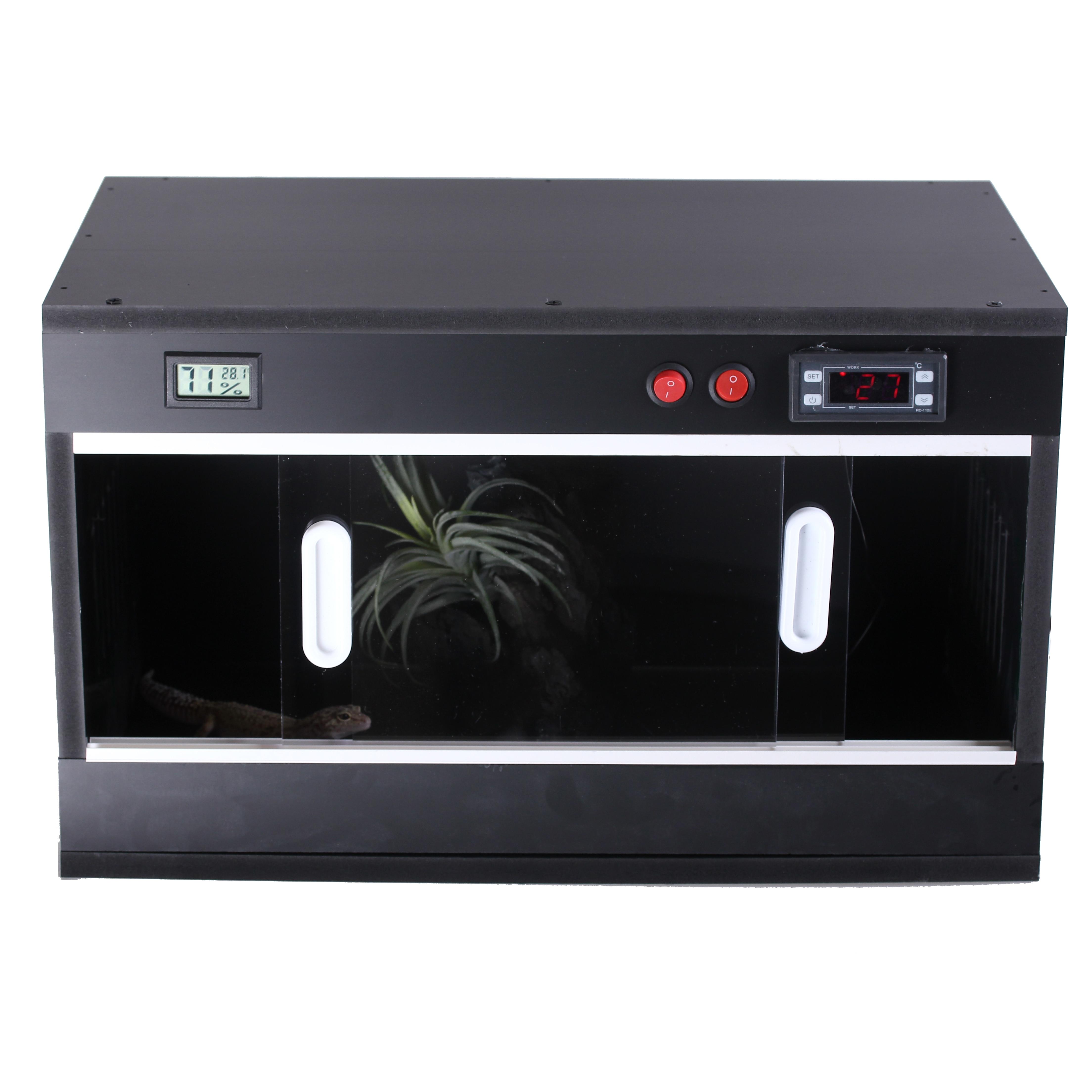 C180730949 Terrarium en PVC pour vidéo d'installation de reptiles