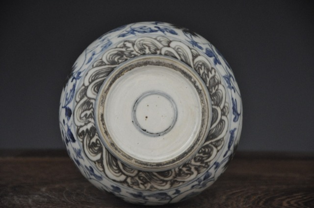 Antique hand painted porcelain vase with kangxi double ring mark for collection