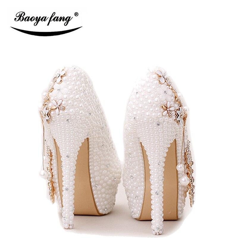 BaoYaFang Weiß perle perlen Frauen hochzeit schuhe Braut hohe frau party kleid schuhe Luxus pfau weibliche schuhe hohe Pumpen-in Damenpumps aus Schuhe bei  Gruppe 2