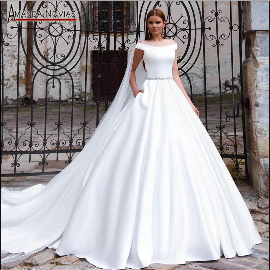 2019 Mariage Gown Plain Satin Wedding Dress With Beading