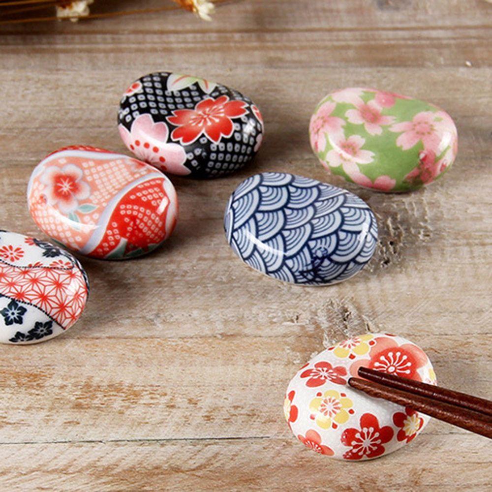 1pc Cute Japanese Ceramic Decorative Chopsticks Holder Rack Spoon Fork Rest Kitchen Tools Tableware 6 Styles