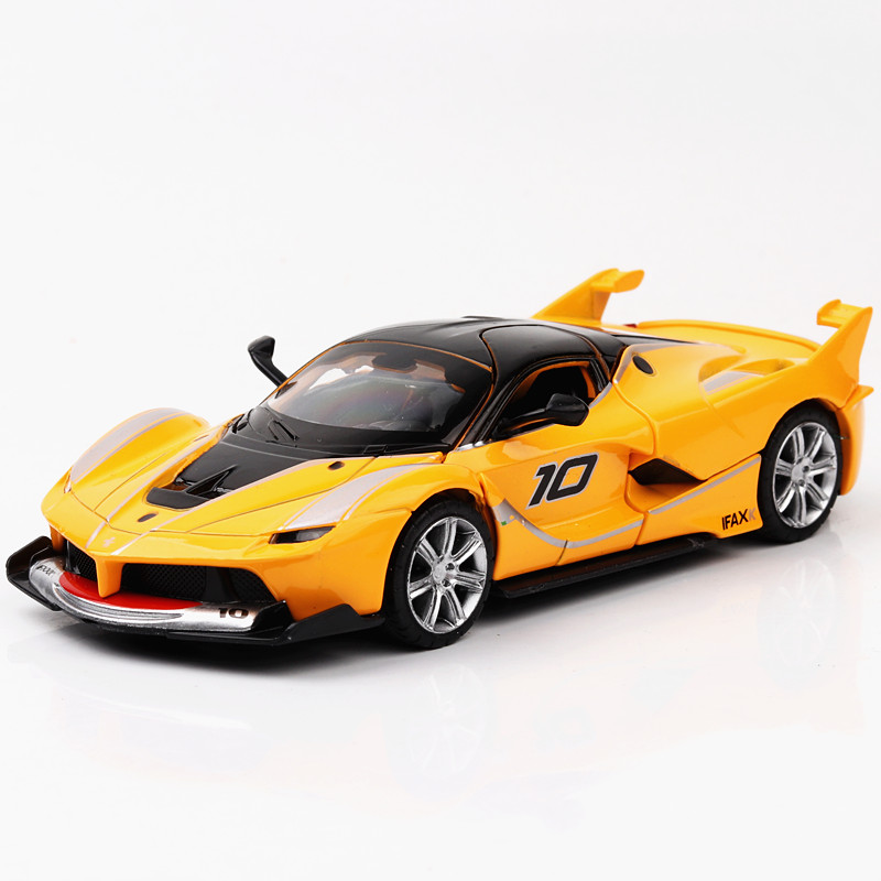 1:32 Scale FXX Super Sport Car Toys 13.5CM Length Pull Back Power Metal Car Three Colors Auto Model with Sound and Light