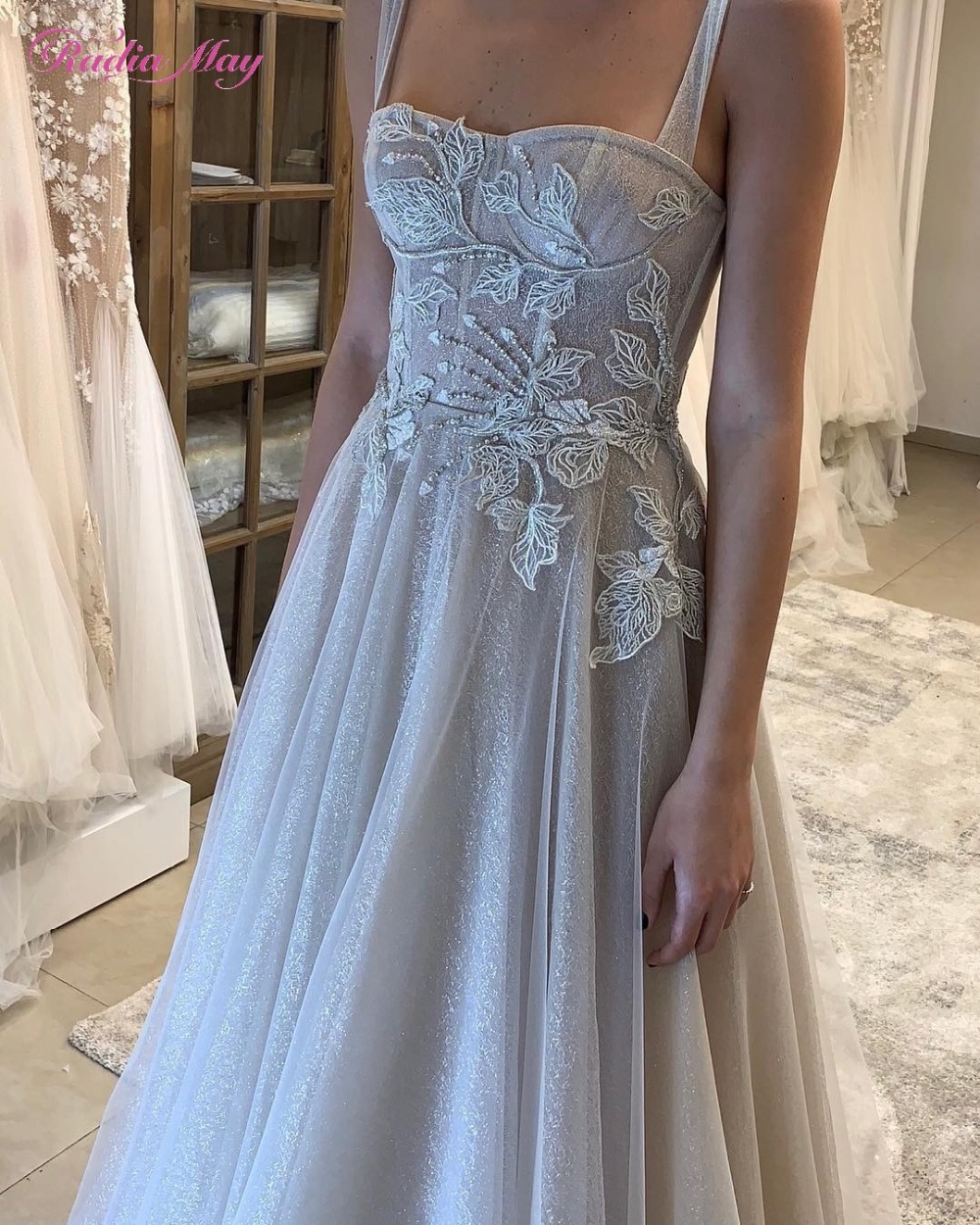 Vintage Wedding Dresses Amsterdam: Vintage Lace Embroidery Bling Wedding Dress With Straps