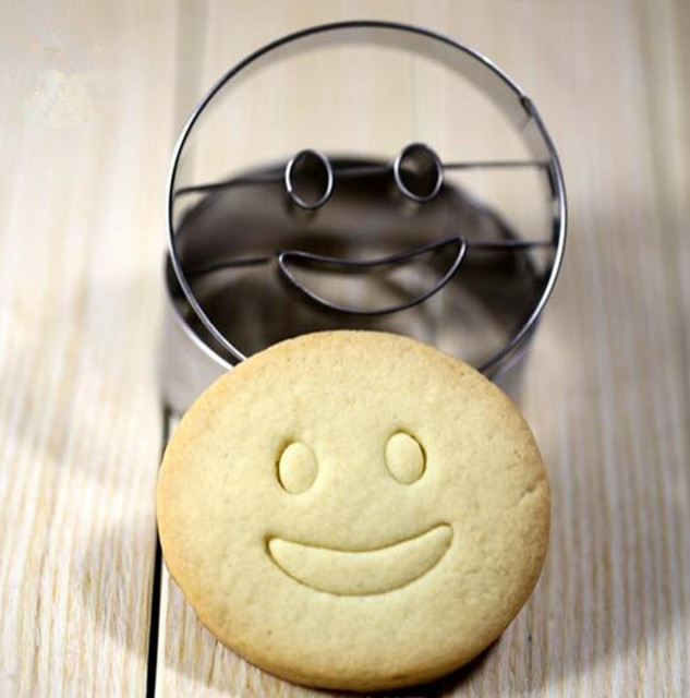 Stainless steel utensils smile Cookie biscuit Cake Baking Mold