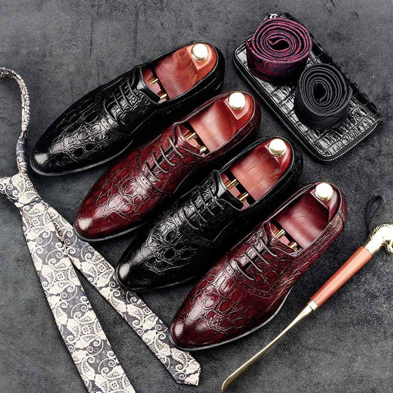 luxury round toe breathable man formal dress shoes genuine leather derby carved oxfords famous men s bridal wedding flats gd78 2017 New Vintage Man Carved Brogue Shoes Genuine Leather Formal Dress Oxfords British Designer Wedding Bridal Men's Flats GD37