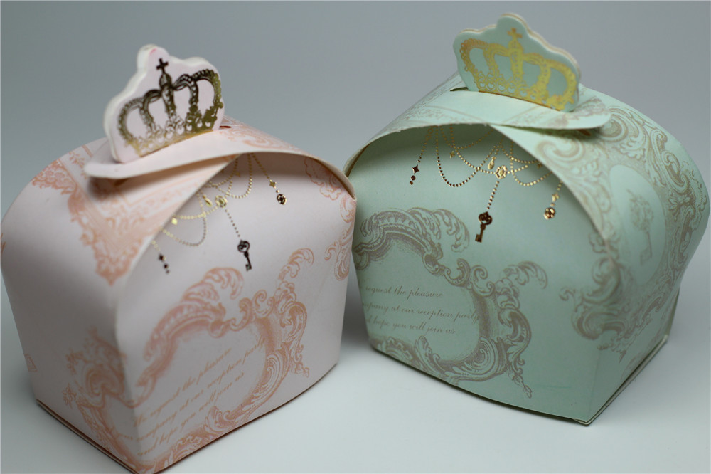 Cute Wedding Gift: 50pcs Sweet Imperial Cute Crown Wedding Favors Candy Boxes