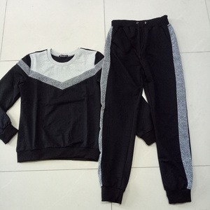 Image 2 - 女性のジャージ秋長袖プルオーバースウェットシャツ 2 点セットファッションタイプ v ステッチスポーツスーツ女性